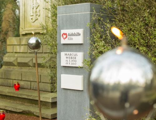 Patenschaftsgrab der Aidshilfe Köln offiziell eingeweiht